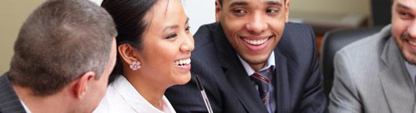 Vrienden en Werk. Bekijk meer in het arbeidsrecht, minimumloon, fatsoenlijk werk en leefbaar loon bij Loonwijzer